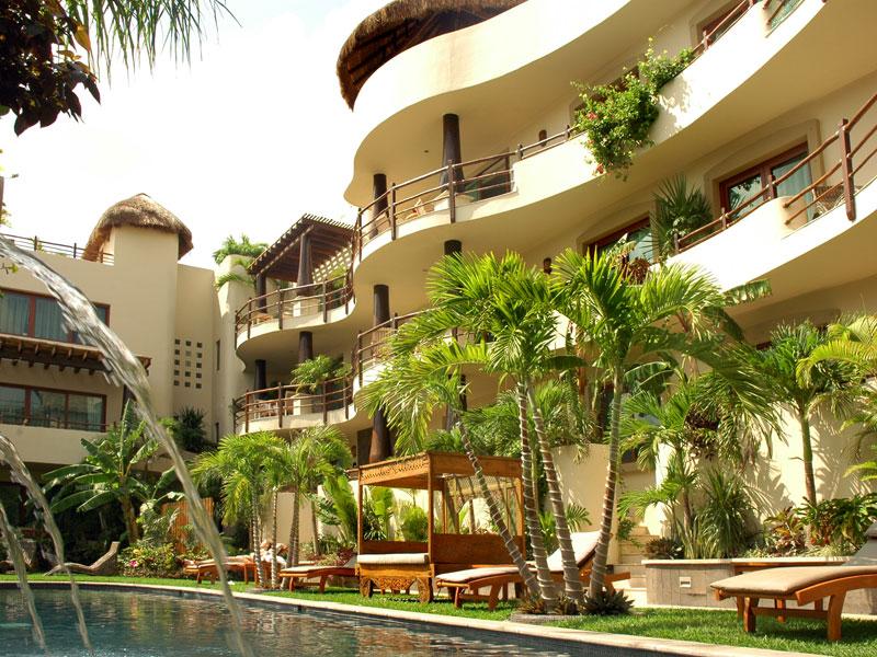El Taj Beachside Condo Hotel